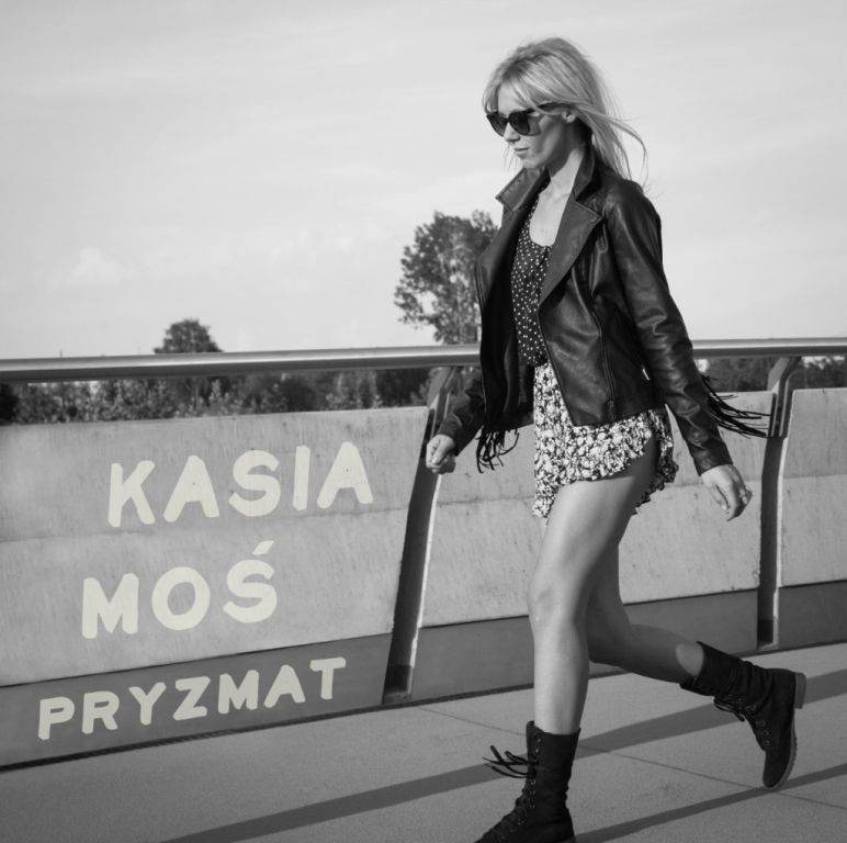 Kasia Moś Pryzmat -okładka singla