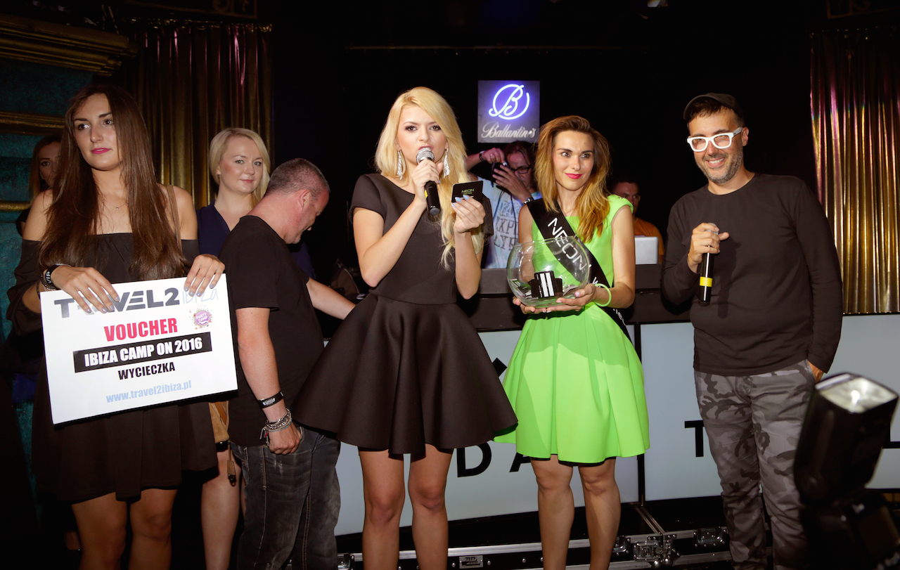 Klaudia Wisniowska, DJ Adamus i wreczenie nagrod, fot. Nazar Vasko