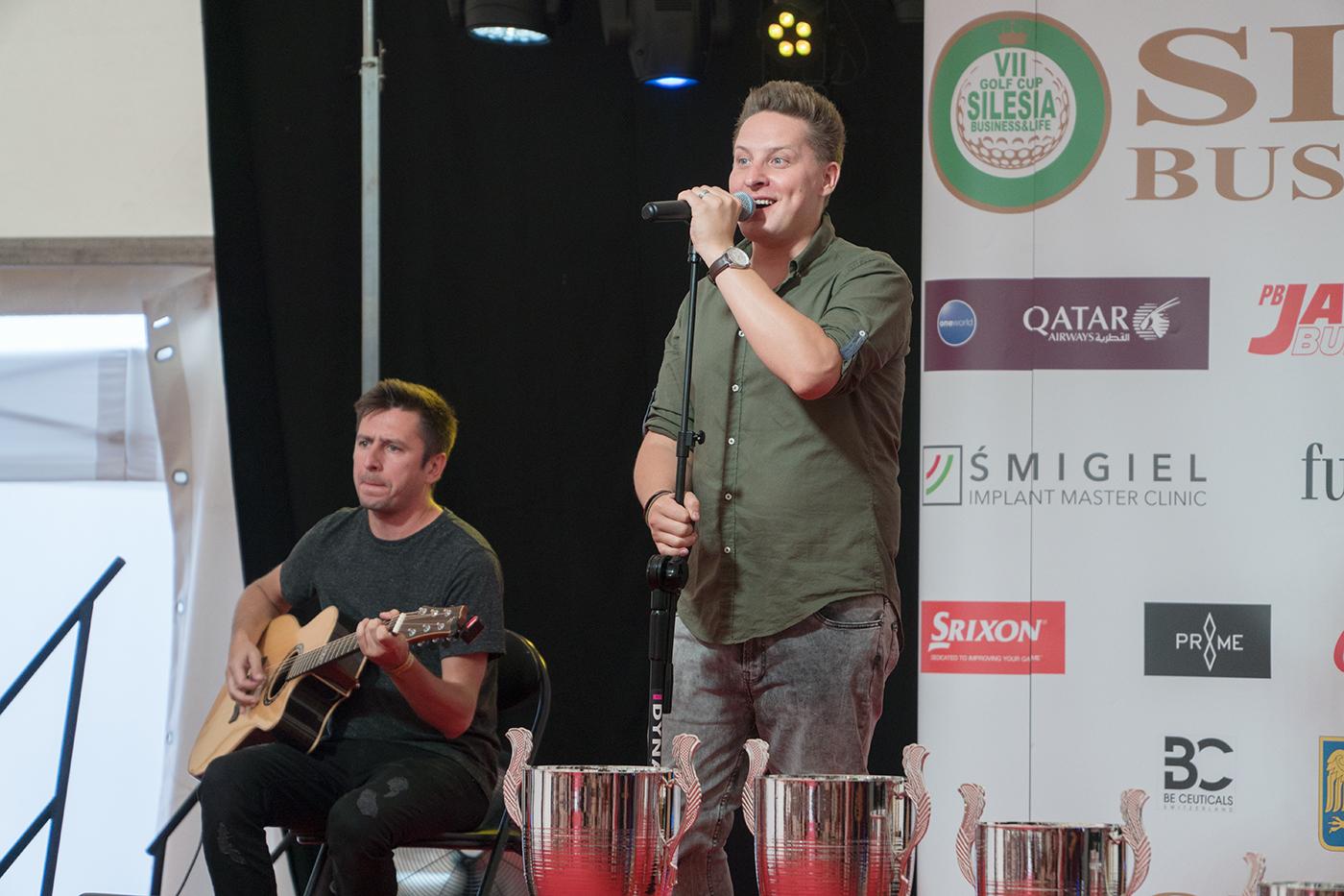 Antek Smykiewicz, wokalista