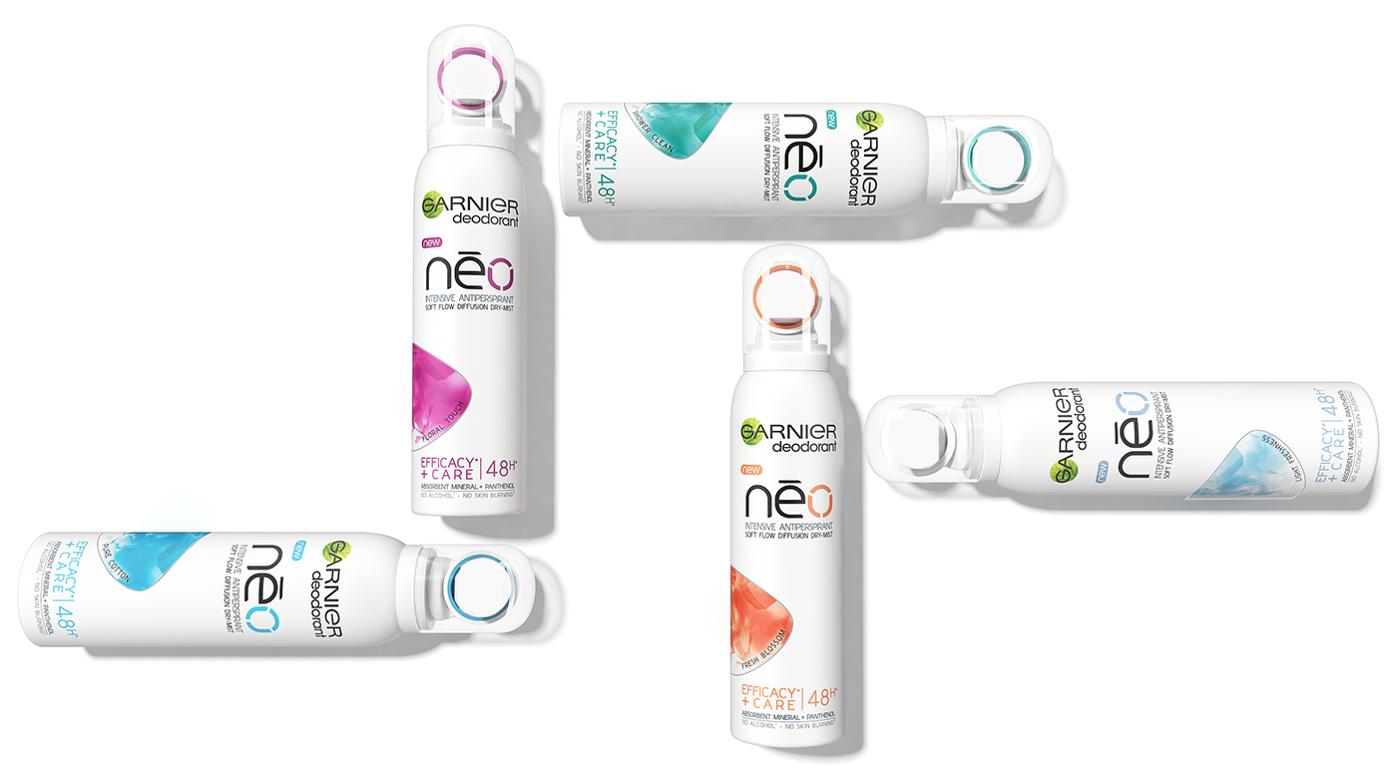 Garnier NEO to odpowiedź na dzisiejsze potrzeby kobiet. Zapewni intensywną ochronę przed wilgocią i przykrym zapachem przez 48h, a także pielęgnację nawet delikatnej skóry pod pachami. Dzięki opatentowanemu, innowacyjnemu aplikatorowi rozpylającemu suchy spray, Garnier NEO jest jeszcze bardziej skuteczny.  Formuła Garnier NEO w suchym sprayu została wzbogacona o dwa wyjątkowe składniki: Mine-ralite czyli ultraabsorbujący minerał pochodzenia naturalnego, który wchłania wilgoć 100 razy szybciej, niż tradycyjnie używany w tych produktach, talk oraz Panthenol znany ze swoich właści-wości łagodzących, często używany przy wszelkiego rodzaju podrażnieniach oraz przy pielęgnacji skóry dzieci i niemowląt. Formuła natomiast zapewnia 48 godzinną skuteczność.  Cena: 150ml\ 13,49zł Cena Promocyjna: 9,99zł
