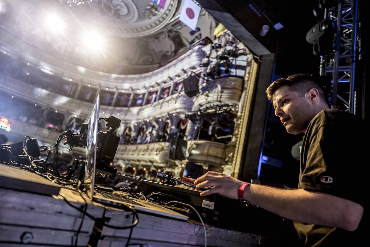 DJ Damianito Performing Fot. Kin Marcin/Red Bull